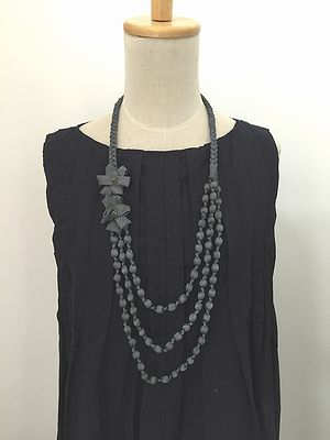 flower necklace *gray